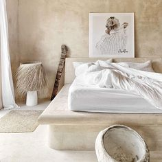Paulina Arcklin (@paulinaarcklin) • Instagram photos and videos Distressed Walls, White Stone, Shabby Chic Furniture, Scandinavian Style, Home Bedroom, Retro Vintage, Interior Decorating, New Homes, Indoor
