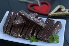 Peppermint Chocolate Mini Bars (grain and dairy free, paleo) |