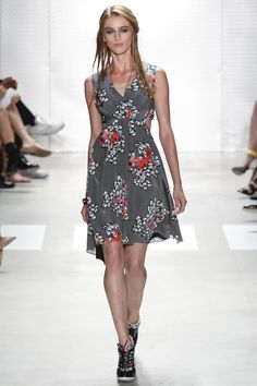 Nicole Miller Spring 2016 Ready-to-Wear Fashion Show