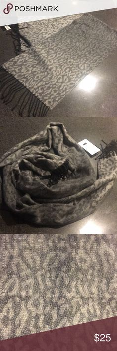 Scarf Cheetah print, scarf. Accessories Scarves & Wraps