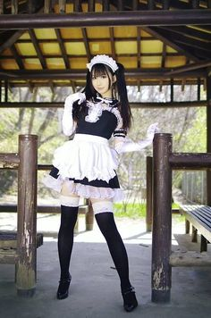 The Lolita Maid style dress is surprisingly popular. Maid Cosplay, Asian Cosplay, Cute Cosplay, Cosplay Outfits, Cosplay Girls, Cosplay Costumes, Maid Outfit, Maid Dress, Beautiful Japanese Girl