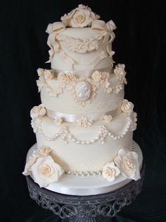 victorian wedding cake...AHHHH!!!!!!! im in love