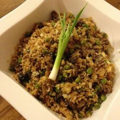 Faux Cauliflower Fried Rice ActiFry recipe going to give this a shot! Tefal Actifry, Low Carb Recipes, Cooking Recipes, Healthy Recipes, Protein Recipes, Cooking Time, Yummy Recipes, Quiches, Actifry Recipes