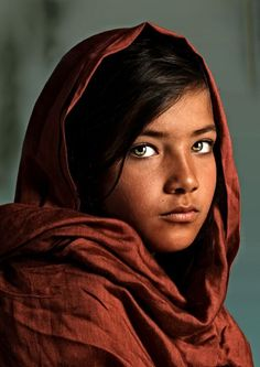 Drawing Girl Faces Beauty Children 23 Ideas For 2019 - Motherhood & Child Photos Child Face, Girl Face, Woman Face, Des Femmes D Gitanes, Photographie Portrait Inspiration, Afghan Girl, Face Photography, Interesting Faces, People Around The World