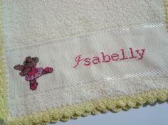 Toalhinha de mão em ponto cruz-Ursinha bailarina para a pequena Isabelly