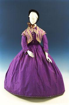 Day dress and vest, circa 1860, from the Bunka Gakuen Costume Museum.