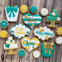 I was happy that my friend's mother in law had me make birthday cookies for her. It was fun to make her some surprise bday cookies earlier this month! Crazy Cookies, Fancy Cookies, Cute Cookies, Cupcake Cookies, Cupcakes, Happy Birthday Cookie, Birthday Cookies, Birthday Desserts, Sugar Cookie Royal Icing