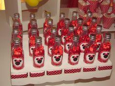 *Papel em Festa*: Festa da Minnie Vermelha - Minha Filha Maria Eduarda 3 anos e Bianca 30 anos