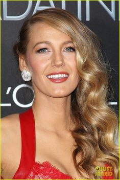 blake lively age of adaline premiere 02 Blake Lively brings along her mother Elaine and brother Eric to the premiere of her film The Age of Adaline held at the AMC Loews Lincoln Square 13 Theater on Sunday…