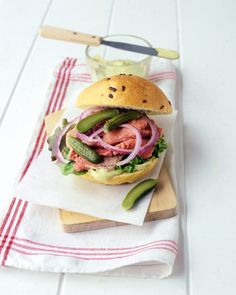 Roast-Beef Sandwich: Use an onion roll and leftover or deli-sliced roast beef to make this tasty sandwich. Mix together reduced-fat mayo, grainy mustard, and pesto for a zesty spread.