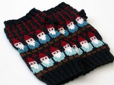 gnome mitts by haramisdesigns, via Flickr .- $6 Ravelry download