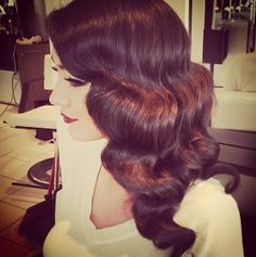 Beautiful 1920s hairstyle...why can't I have hair thIs pretty