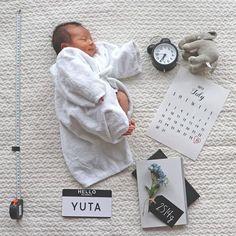 Neugeborenes Photo_ Newborn_ Baby - New Born Photography Idea - Baby Boy Birth Announcement, Cute Babies Photography, Monthly Baby Photos, Baby Boy Pictures, Baby Album, Baby Milestones, New Baby Products, Diy Products, Happy Birthday