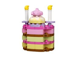 Build a birthday cake with LEGO DUPLO's Creative Cakes! #LEGODUPLOplay