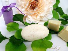 PEELINGOVÉ MÝDLO - z mýdlového základu ovesné vločky + bambucké máslo