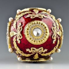 Caucasus Faberge Inspired Egg. The first of Imperial Easter eggs known to be dated. Made by M. Perchin under the Faberge supervision in 1893 for Tsar Alexander III, who presented it to his wife Maria.
