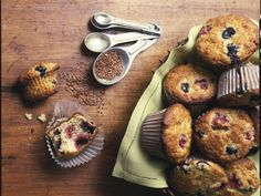 10 Times When Sugar Is Worth It: Almond and mixed berry muffins with flaxseed http://www.prevention.com/food/healthy-eating-tips/10-low-sugar-desserts?s=8&?cid=SugarSmart15350894&cm_mmc=Facebook-_-Prevention-_-food-healthyeatingtips-_-10timessugarisworthit