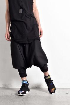 Delusion - Yuki dropped crotch cropped hem trousers. Y-3 - Qasa hightops Womens Fashion Sneakers, Unisex Fashion, Fashion Outfits, Sporty Chic Style, All Black Outfit, Tokyo Fashion, Dark Fashion, Cool Outfits, Street Wear