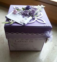 Explosionsbox Hochzeit Box Cards Tutorial, Card Tutorials, Explosion Box Tutorial, Decorated Gift Bags, Scrapbook Box, Exploding Box Card, How To Make Box, Shaped Cards, Pretty Box