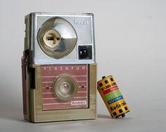 kodak flash fun Kodak Camera, Movie Camera, Camera Gear, Antique Cameras, Old Cameras, Vintage Cameras, Classic Films, Camera Accessories, Camera Photography