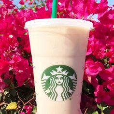 Starbucks Secret Menu: How Many Drinks Have You Tried? PEOPLEcom best drinks at starbucks - Recipes Copo Starbucks, Best Starbucks Coffee, Starbucks Vanilla, Healthy Starbucks Drinks, Starbucks Secret Menu Drinks, Starbucks Flavors, Diabetic Drinks, Healthy Drinks, Vanilla Frappuccino