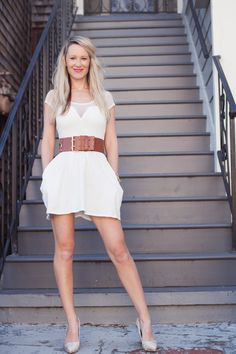 """Erin from The Pocket Stylist wears Sam Edelman heels on """"Bring on Spring + Giveaway."""""""