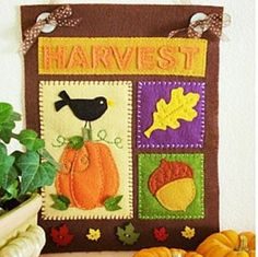 If you have been looking for Thanksgiving crafts to make, then this mini Thanksgiving banner could be a great project for you. This banner is a charming way to give your home a touch of Thanksgiving! Thanksgiving Arts And Crafts, Thanksgiving Banner, Holiday Crafts, Holiday Fun, Fall Banner, Thanksgiving Decorations, Kids Crafts, Arts And Crafts Projects, Felt Crafts