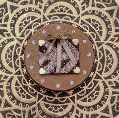 Geschenk-Box die eine bleibende Erinnerung Hinterlässt. 6 cm lang, 6 cm breit und 3.5 cm tief. sFr. 18.- Ring Verlobung, Gingerbread Cookies, Desserts, Food, Godchild, Stocking Stuffers, Gift Cards, Valentines Day, Invitations