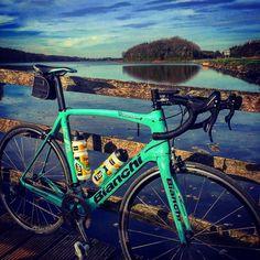 Lake side oltrexr1 #bianchi #love #teamlottojumbo #campagnolo #garmin #cycling #healty #life @lottonljumbo_road @bianchi_usa @bianchibenelux @campagnolosrl @garmin