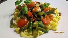 Mediterrane Nudelpfanne - Rezept von Kuechenschelle Mozzarella, Spaghetti, Meat, Chicken, Ethnic Recipes, Youtube, Food, Tomatoes, Pasta Meals