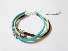 Pulseira tripla c/fecho de apertar e extensão 5cm-  Trio suede bracelet