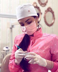 Dental Posters, Beautiful Nurse, Scrubs Outfit, Medicine Student, Beauty Salon Decor, Medical Uniforms, Medical Scrubs, Dental Assistant, Dental Hygienist