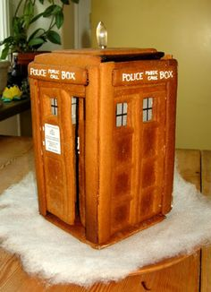 TARDIS gingerbread house! Would love for @Kim Brookhart to make this for us this Christmas :)