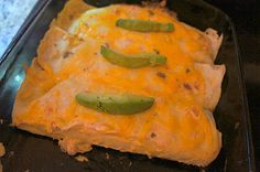 Green Chile Chicken Enchiladas from #Weekday Chef. Easy, yummy recipe for dinner tonight! #ChickenEnchiladas #GreenChileEnchiladas