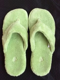 2f240dcab42 Acorn Spa Thong Slippers Light Powder Green Women s Size M 6 1 2- 7