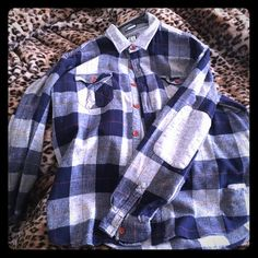 a1cac6b094f Navy   grey Billabong flannel Men s Navy   grey Billabong flannel with red  button details like new Billabong Tops Button Down Shirts
