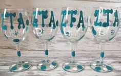 zta painted glasses - I want one! Gamma Phi Beta, Zeta Tau Alpha, Sigma Kappa, Sister Crafts, Paint Bar, Big Little Reveal, Sorority Crafts, Do It Yourself Crafts, Wine Glass