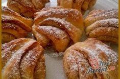 Turecké koláče se skořicí a ořechy   NejRecept.cz Czech Recipes, Turkish Recipes, Czech Desserts, Baking Recipes, Dessert Recipes, European Dishes, Sweet Recipes, Food To Make, Food And Drink