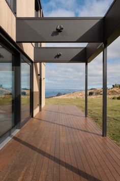 Team Green Architects | Dunedin | Dunedin Passive House Energy Efficiency, Passive House Design, Outside Living, Architect House, Sustainable Architecture, New Builds, Decking, Beautiful Space