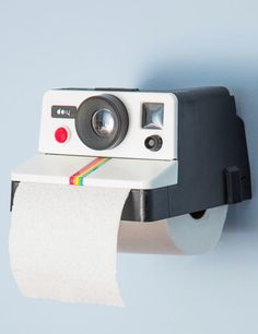 Funny Retro Camera Toilet Paper Holder for the Photographer http://rstyle.me/n/h5955bh9c7