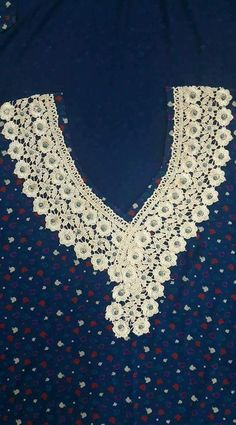 Salwar Neck Designs, Kurta Neck Design, Dress Neck Designs, Blouse Designs, Morrocan Dress, Soutache Tutorial, Baby Hats Knitting, Sewing Appliques, Gowns Of Elegance
