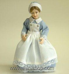 Miniaturwe Nurse Doll