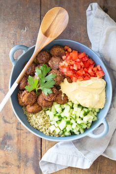 Vegan-Quinoa-Falafel-Bowl-1