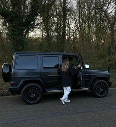 My Dream Car, Dream Life, Dream Cars, Estilo Kylie Jenner, Black Jeep, Car Goals, Classy Aesthetic, G Wagon, Photo Dump