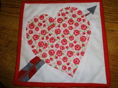 Sew many yarns Pot Holders, Napkins, Quilts, Sewing, Yarns, Tableware, Red, Blog, Comforters