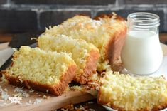 Pineapple Coconut Quick Bread (makes 1 loaf): From breakfast to mid-afternoon snack to dessert, this tropical quick bread can be enjoyed all through the day. It is refreshingly light and full of coconut and pineapple flavor. Pineapple Coconut Bread, Coconut Quick Bread, Coconut Bread Recipe, Coconut Recipes, Baking Recipes, Loaf Recipes, Easy Bread, Coconut Tea, Starter Recipes