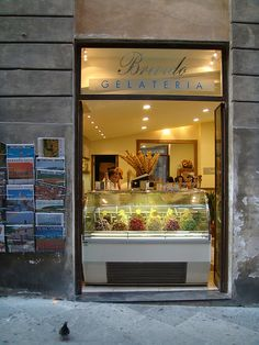 Pinner friend: Gelateria in Siena, Italy, I've had ice cream from this very place!... Me too!