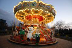 Peppa Pig Theme Park Fun Fair Ride Tyrannosaurus Rocks NEW