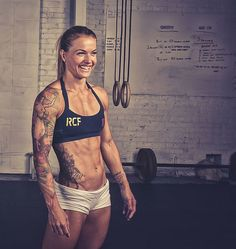 Easy Eating Formula For Getting Rid of Body Fat With abs like these, CrossFit star Christmas Abbott shares exactly how she ditched belly cellulite.With abs like these, CrossFit star Christmas Abbott shares exactly how she ditched belly cellulite. Christmas Abbott, Fitness Workouts, Fitness Motivation, Fitness Goals, Female Motivation, Core Workouts, Workout Tips, Fitness Quotes, Motivation Quotes