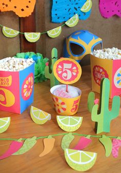 Our Cinco de Mayo fiesta with printable decorations from the Happythought Cinco de Mayo party kit! http://printablepaperproducts.com/festival/cinco-de-mayo
